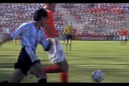 گل برتری دقیقه 90 دنیس برکمپ برابر آرژانتین یک چهارم نهایی جام جهانی 98 با گزارش هلندی
