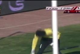 سندروم دست بی قرار، فوتبالیستهای ایرانی که از دست خود به عنوان ابزار استفاده میکنند