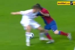 خطای پنالتی که روی مسی در بازی بایرن مونیخ در لیگ قهرمانان اروپا ۲۰۰۹ گرفته نشد و حتی داور به مسی کارت زرد داد!