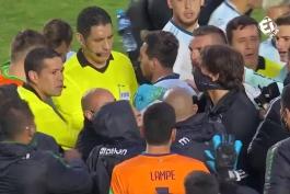 درگیری مارسل مونرو  و مسی در پایان بازی !