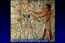 کشیدن اشکالی از انسانهای فرازمینی و سفینه های فضایی بر روی سنگ نوشته هایی در مصر