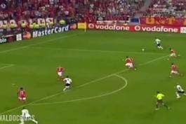 بیشترین دریبل یک بازیکن در طول یک بازی در تاریخ لیگ قهرمانان اروپا
