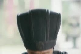 لحظات ملکوتی ژوگه لیانگ با لیو بی که اشک هر انسانی رو در میاره 😭😭😭😭 ژوگه لیانگ قبل از نبرد دشت های ووژانگ خطاب به روح و یاد بود لیو بی : امپراطور منو ببخش که در نبرد قبلی ناکام بودم ... 💔💔