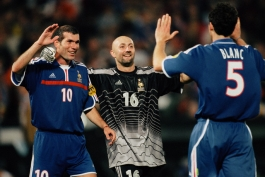 Zinedine Zidane, Fabien Barthez, and Laurent Blanc celebrate after their victory in the 2000 UEFA European Championship final, France vs Italy (2-1).