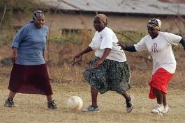 لیگ فوتبال مادربزرگ ها
