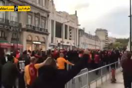 """ویدیو؛ شعار """"ما بهترین هستیم"""" هواداران گالاتاسرای پس از شکست در برابر بنفیکا"""