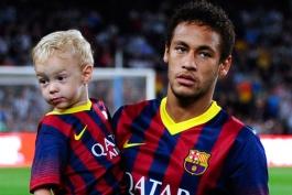 ویدیو؛ توپ بازی نیمار به همراه پسرش