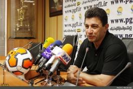 کنفرانس خبری نفت - استقلال؛قلعه نویی:این بازی ما را به لیگ بازگرداند