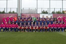 آماده شدن بازیکنان برای عکس رسمی