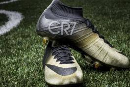 گزارش تصویری: کفش های طلایی نایکی برای کریستیانو رونالدو