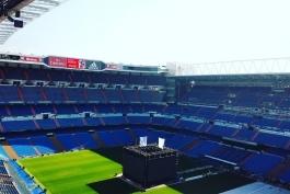 ورزشگاه سانتیاگوبرنابئو آماده حضور هواداران رئال مادرید برای تماشای فینال میلان (عکس)