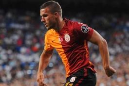 سه باشگاه چینی خواهان جذب لوکاس پودولسکی - گالاتاسرای استانبول - لیگ چین