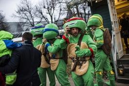 جشن صدرنشینی لستر سیتی با پوشیدن لباس لاک پشت های نینجا همراه شد (عکس)