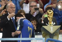 ماریو کمپس: مسی شایسته عنوان بهترین بازیکن تورنمنت نبود؛ نیاز آرژانتین به مسی، مثل نیاز ماهی به آب بود