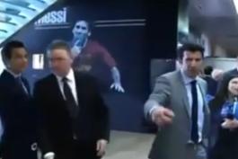 حواشی فوتبال؛ خودداری فیگو از مصاحبه با رسانه های بارسلونا