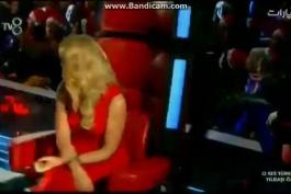 خوانندگی خنده دار آردا توران در برنامه (o ses) ترکیه