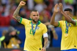 BRAZIL-برزیل-مدافع-کاپیتان-کوپا آمریکا