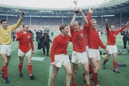 جام جهانی-جام ملت های اروپا-اتحادیه فوتبال انگلیس-سر الف رمزی-بابی مور-بابی چارلتون-گوردون بنکس-آلمان غربی-بریتانیا