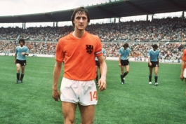 هلند - مارکو فن باستن - رینوس میشل - پاتریک کلایورت - فرانک رایکارد - آژاکس آمستردام - بارسلونا - جام جهانی 1974 - برت فن مارویک