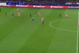 قطع توپ استثنایی ایوان راکیتیچ در بازی امشب بارسلونا و اینتر