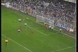 ویدئوی بازی والنسیا 2-2 لیورپول (جام یوفای 1998)