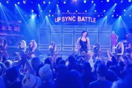 تام هالند و اجرای آهنگ Umbrella در مسابقه Lip sync battle