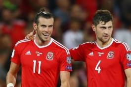 بن دیویس: تعهد گرت بیل به تیم ملی ولز به کسی بهانه نمی دهد؛ امیدوارم به یورو صعود کنیم