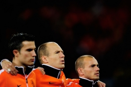 نگاهی به تیم منتخب بازیکنانی که در سال 2019 از دنیای فوتبال خداحافظی کرده اند (عکس)