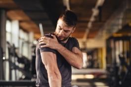 بدنسازی-پرورش اندام-شانه درد-Shoulders Sore