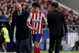 اعتراض هواداران اتلتیکو مادرید به دیگو سیمئونه به دلیل تعویض ژائو فلیکس مقابل سویا