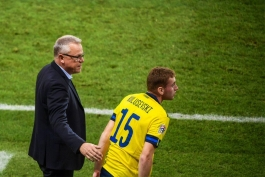 هافبک سوئد - سرمربی سوئد