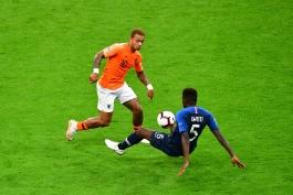 هلند/فرانسه/مدافع بارسلونا/مهاجم لیون/Netherlands/France/Barcelona Defender/Lyon Striker