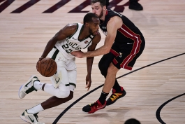 کریس میدلتن - میلواکی باکس - بسکتبال NBA - پلی آف NBA