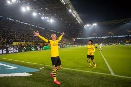 دورتموند-Dortmund-آلمان-بوندس لیگا-نروژ-سیگنال ایدونا پارک