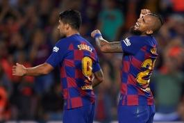 هافبک شیلیایی بارسلونا - مهاجم اروگوئه ای بارسلونا