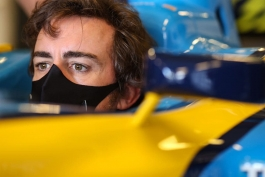فرمول یک   تمرین فرناندو آلونسو با خودروی معروف رنو R25