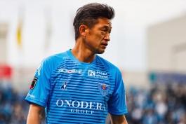 کازیوشی میورا 53 ساله قراردادش را با یوکاهاما اف سی تمدید کرد