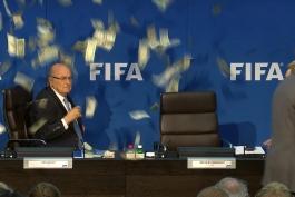 دور و نزدیک فوتبال؛ افتضاحی به نام جام جهانی 2002 به میزبانی کره جنوبی و ژاپن (دوبله اختصاصی)