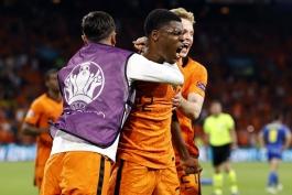 دنزل دومفرایز؛ از بازی در آروبا تا تحقق رویا در تیم ملی هلند