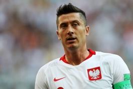 واکسینه شدن روبرت لواندوفسکی و هم تیمی های او در تیم ملی لهستان